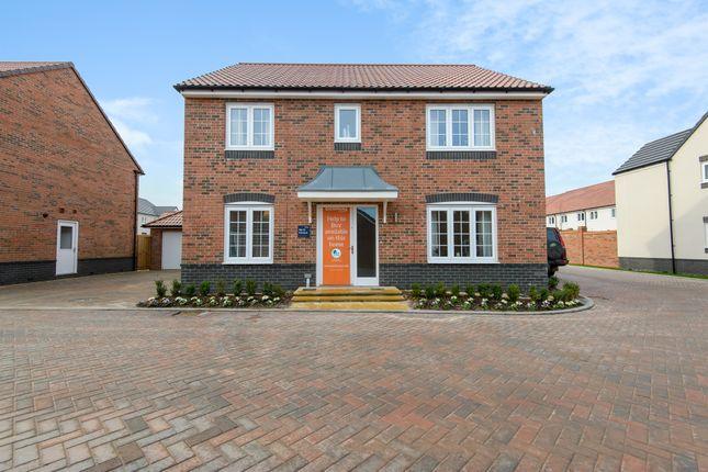 4 bedroom detached house for sale in Greenbank Road, Hanham, Bristol