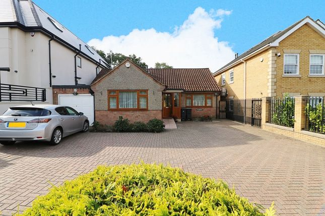 Thumbnail 3 bedroom bungalow to rent in Tomswood Road, Chigwell