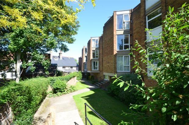 Thumbnail Flat to rent in Ingleside Court, High Street, Saffron Walden, Essex