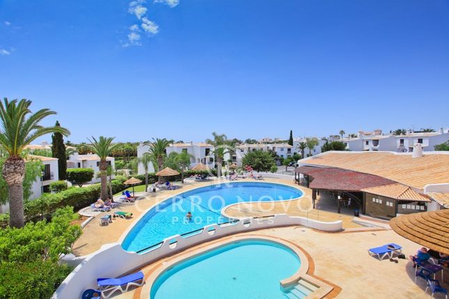 Description of West Of Albufeira, Algarve, Portugal