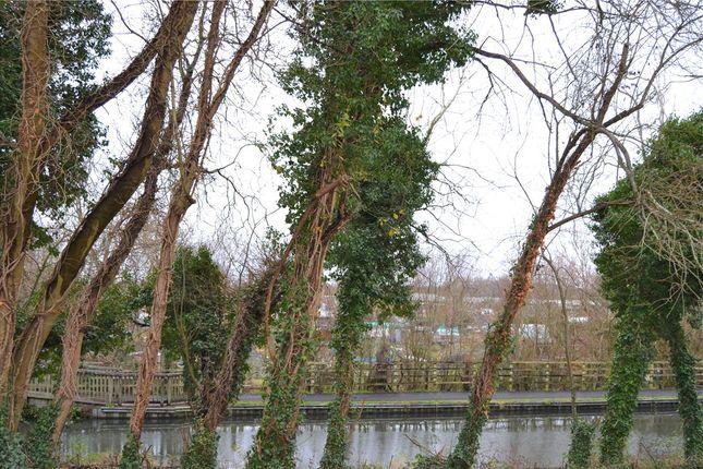 Picture No. 06 of Mill Lane, Newbury, Berkshire RG14