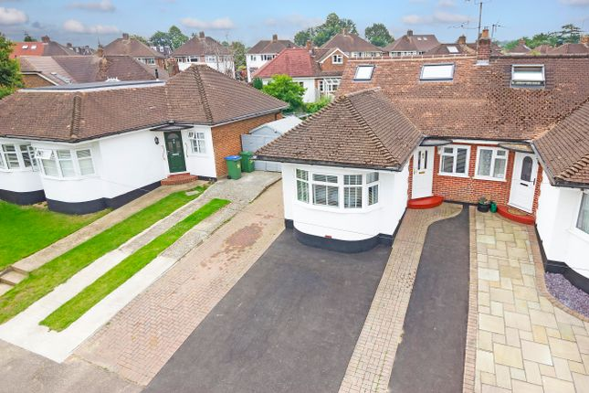 Curzon Avenue Horsham Rh12 3 Bedroom Semi Detached