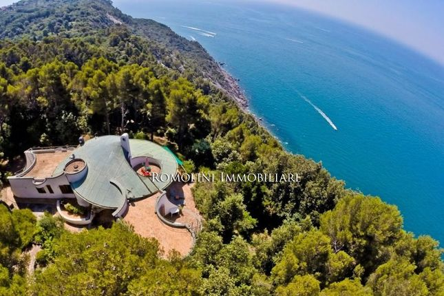 4 bed villa for sale in Montemarcello, Liguria, Italy