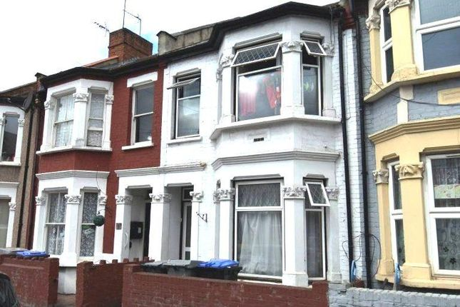 Terraced house for sale in Cobbold Road, Willesden, London