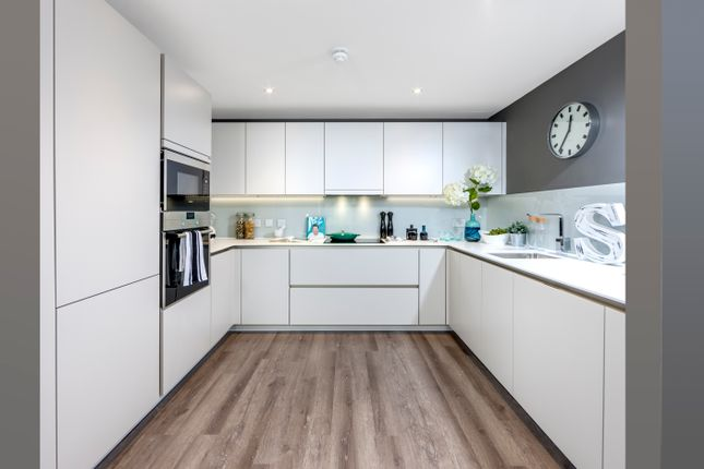 Thumbnail Flat for sale in Streatham Hill, Lambeth