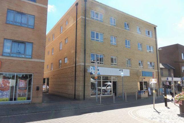Thumbnail Flat to rent in High Street, Kidlington