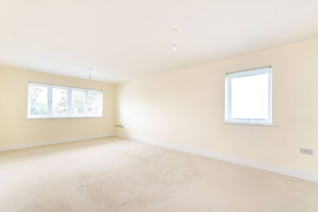 Thumbnail Flat to rent in Clarence Road, Bickley