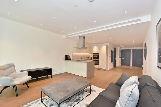 Thumbnail Flat for sale in Queenstown Road, London