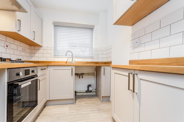 Thumbnail Town house for sale in Kings Meadow Mews, Wetherby
