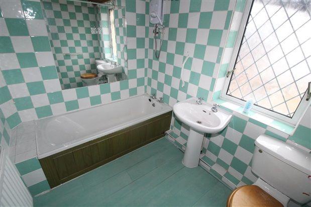 Bathroom of Walmsley Street, Fleetwood FY7