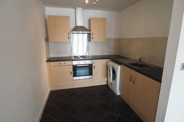 Thumbnail Flat for sale in Old Harbour Court, 10 Wincolmlee, Hull