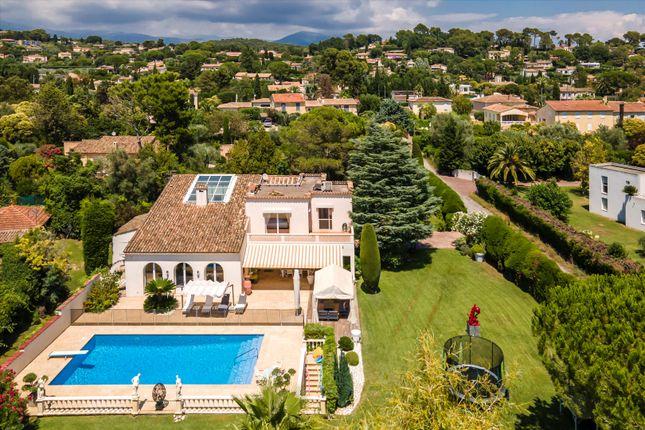 Thumbnail Villa for sale in 06330 Roquefort-Les-Pins, Alpes-Maritimes, Provence-Alpes-Côte d`Azur, France