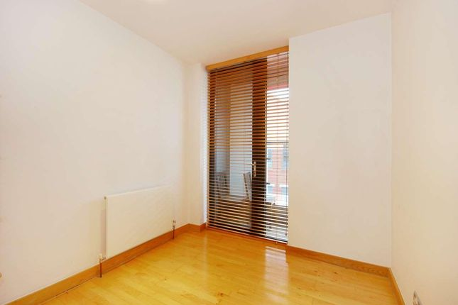 Bedroom of New Wharf Road, London N1