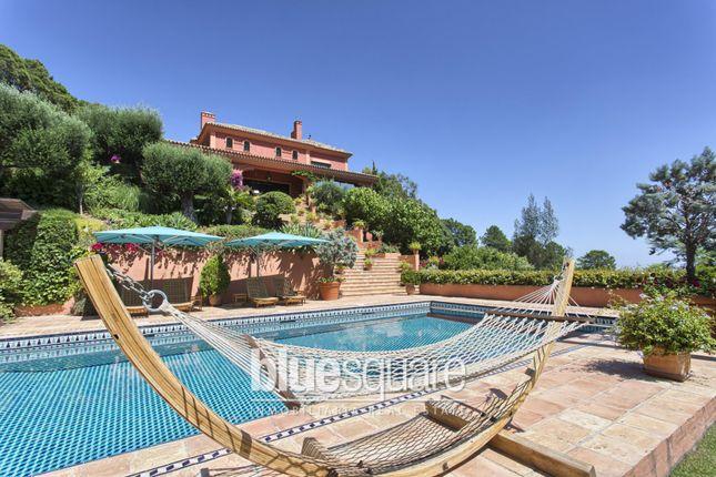 Thumbnail Villa for sale in Benahavis, Costa Del Sol, 29679, Spain