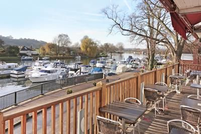 Thumbnail Restaurant/cafe to let in Bourne End Marina, Wharf Lane, Bourne End