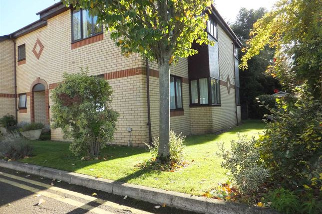 1 bed flat for sale in Orchard Court, Reading RG2