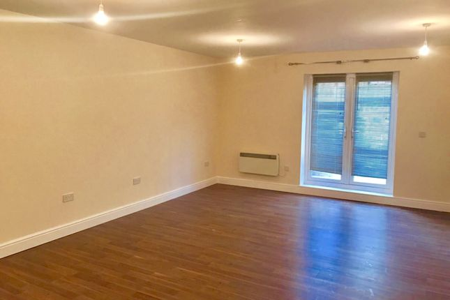 Studio to rent in Lower Road, Sutton