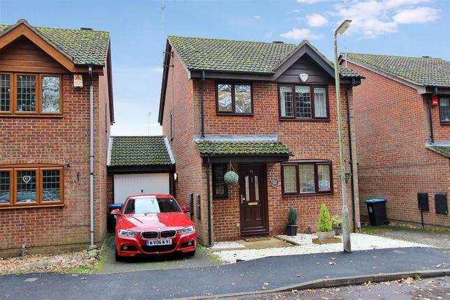 Thumbnail Link-detached house for sale in Hunters Oak, Hemel Hempstead, Hertfordshire