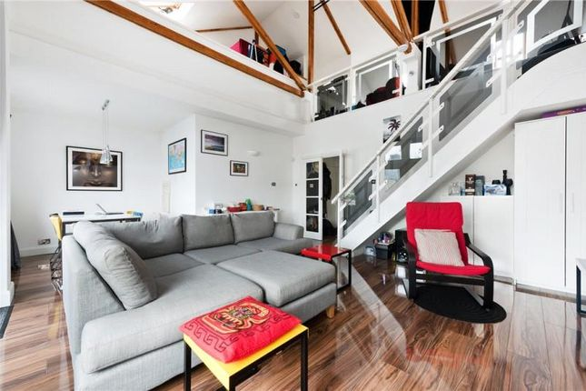 Thumbnail Flat to rent in Quay View Apartments, Arden Crescent, London