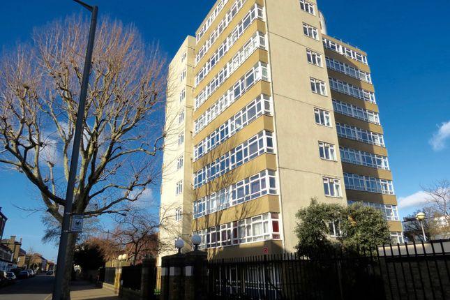 Thumbnail Flat for sale in Felsham Road, London