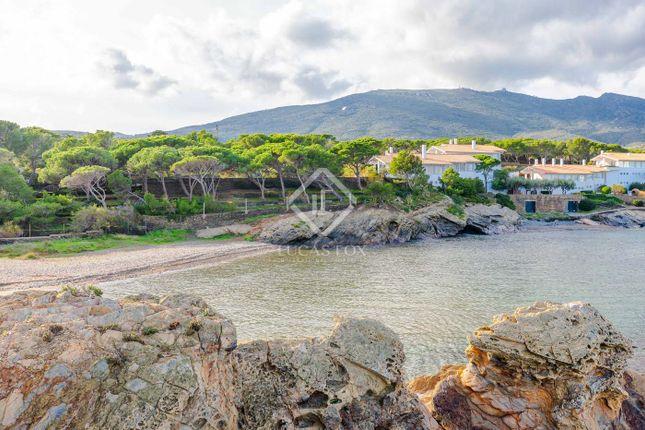 Thumbnail Villa for sale in Spain, Costa Brava, Cadaqués, Cbr15703