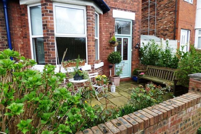 4 bed terraced house to rent in Bellfield Avenue, Cheadle, Cheshire