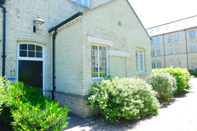 Thumbnail Flat for sale in Hertfordshire Wing, Kingsley Avenue, Fairfield, Hitchin