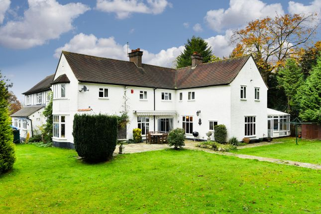 Thumbnail Detached house for sale in The Avenue, Tadworth