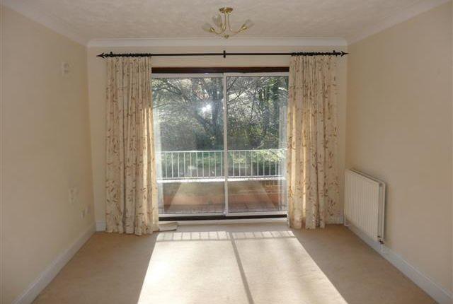 Living Room/Access To Balcony