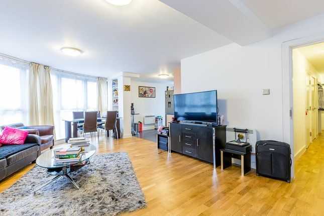 2 bed flat to rent in Crowndale Road, London