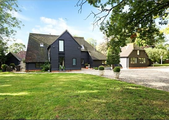 Thumbnail Detached house for sale in Aldermaston Road, Pamber End, Tadley Hampshire