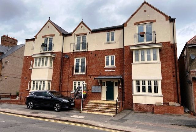 Thumbnail Flat to rent in Hillmorton Road, Rugby