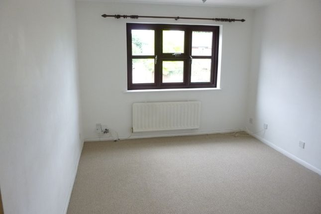 Thumbnail Flat for sale in Bounderby Grove, Chelmsford