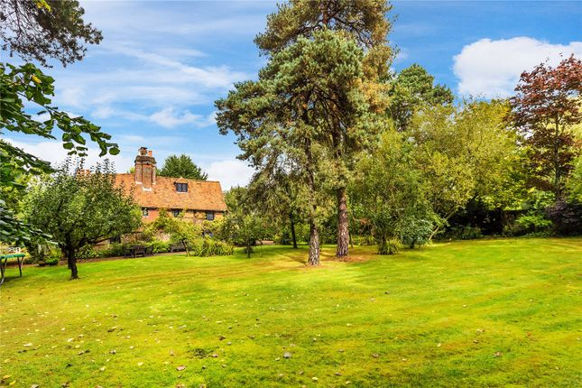 Picture No. 10 of New House Lane, Salfords, Redhill, Surrey RH1