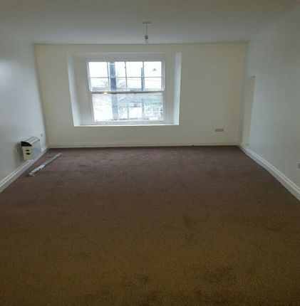 Thumbnail Flat to rent in Croft Road, Neath
