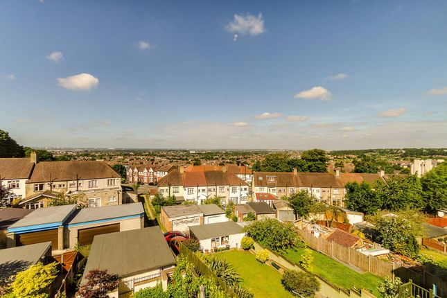Thumbnail Property to rent in Grangecliffe Gardens, South Norwood