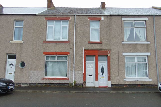 Thumbnail Flat for sale in Brack Terrace, Bill Quay, Gateshead