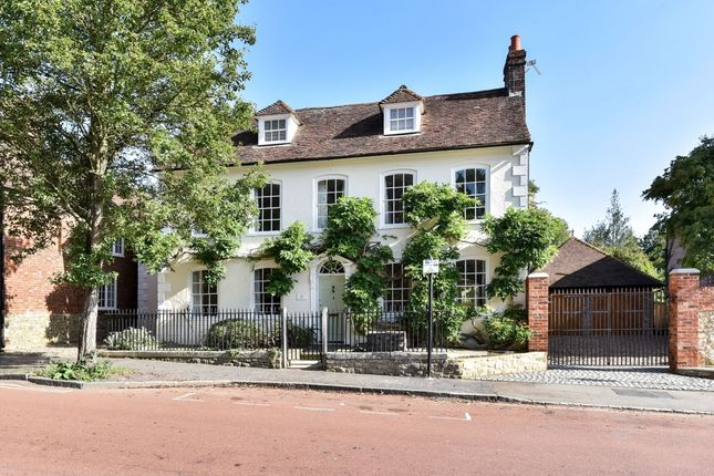 Thumbnail Property to rent in Swan Street, West Malling