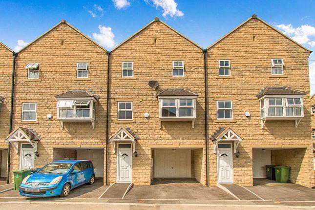 Thumbnail Property to rent in Alder Mews, Batley