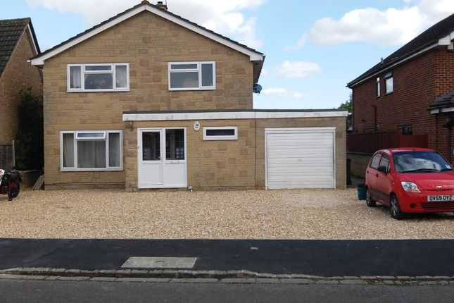 Thumbnail Room to rent in Ashdene Road, Bicester