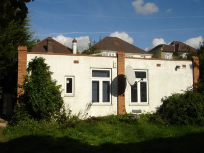 Thumbnail Bungalow to rent in Donnington Road, Willesden