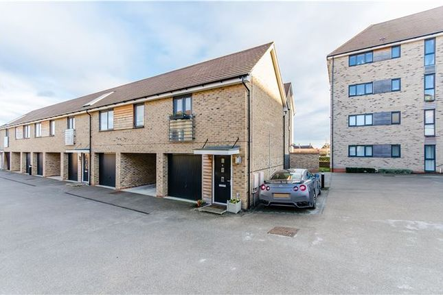 Thumbnail Property for sale in Yeoman Drive, Cambridge