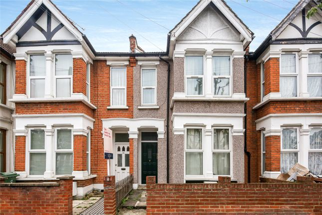 2 bed flat to rent in Barclay Road, London E11