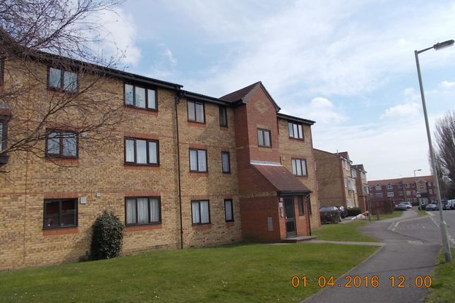 Thumbnail Flat for sale in Scammell Way, Watford