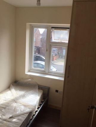 Thumbnail Flat to rent in Sherwood Avenue, Hayes