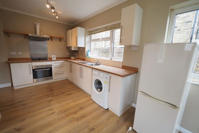 Thumbnail Bungalow to rent in Chertsey Lane, Staines