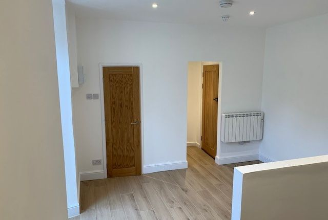 Thumbnail Studio to rent in Truro Road, St Austell