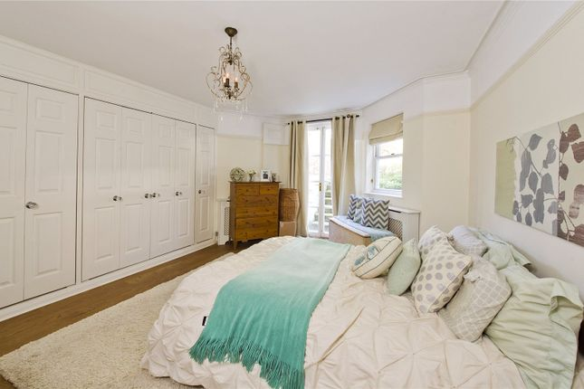2 bed flat to rent in Cambridge Park, Twickenham