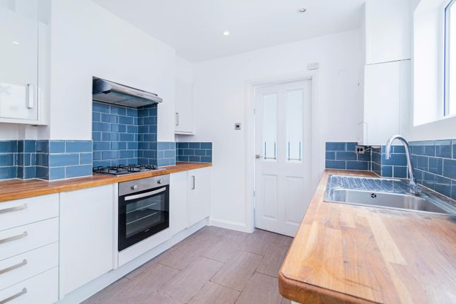 Thumbnail Terraced house to rent in Frobisher Street, London