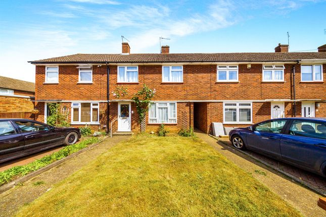 3 bed terraced house for sale in Norwood Close, Hertford